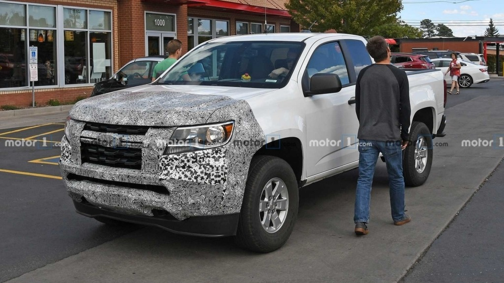 2023 Chevrolet Colorado Pictures